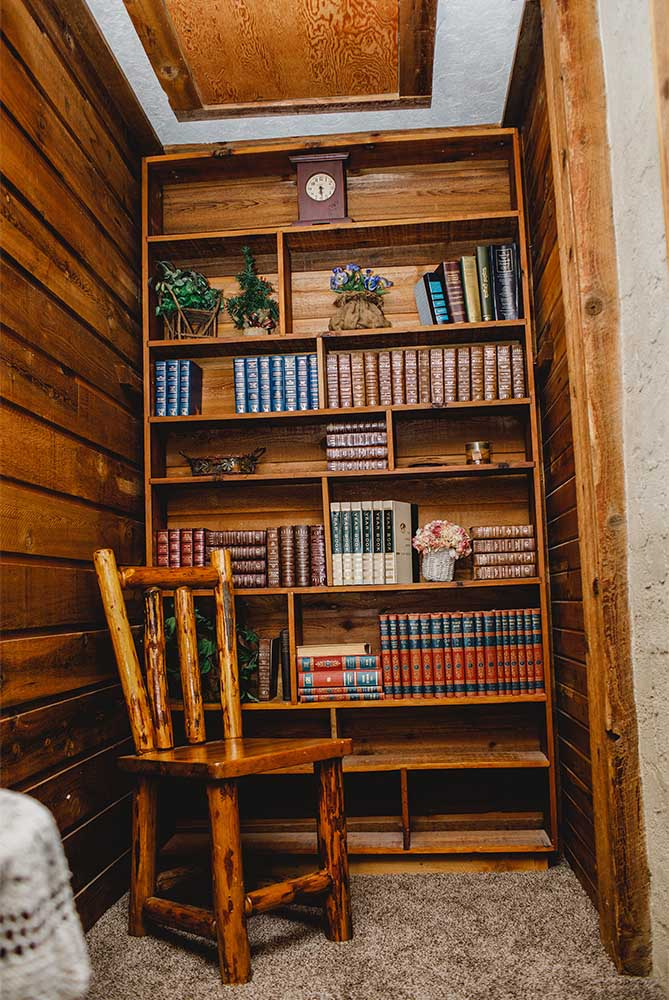 Bookcase in the Homestead room.
